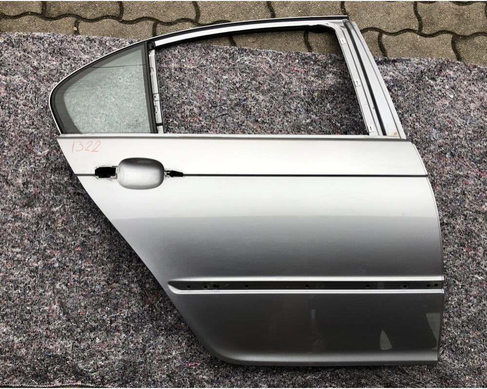BMW E46 Sedan jobb hátsó ajtó üresen