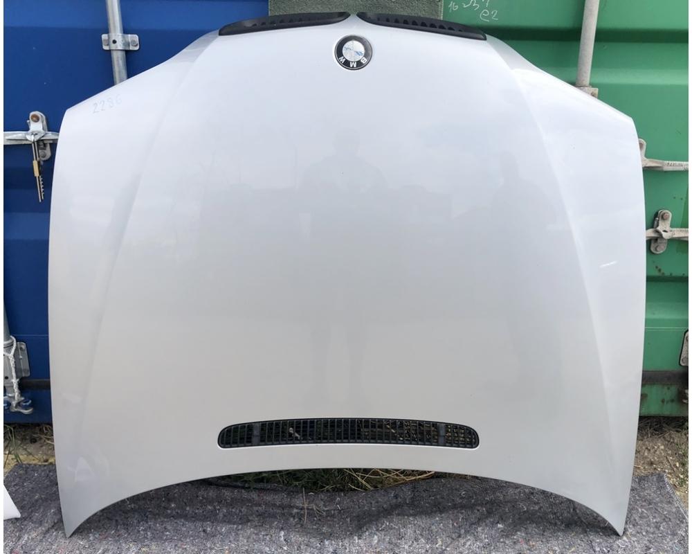 BMW E46 Sedan-Touring motorháztető üresen